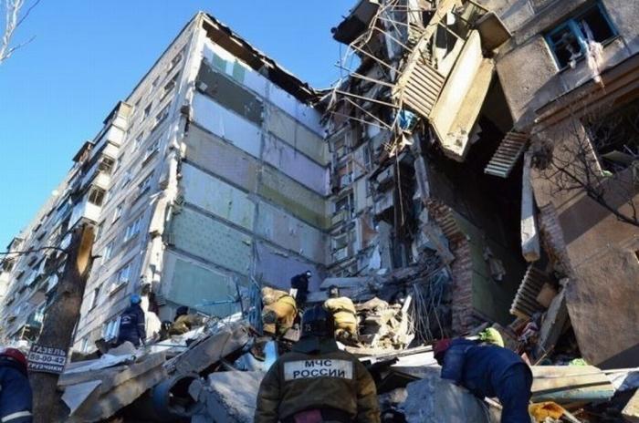 В Магнитогорск прибыли глава СК Александр Бастрыкин и 50 спасателей МЧС