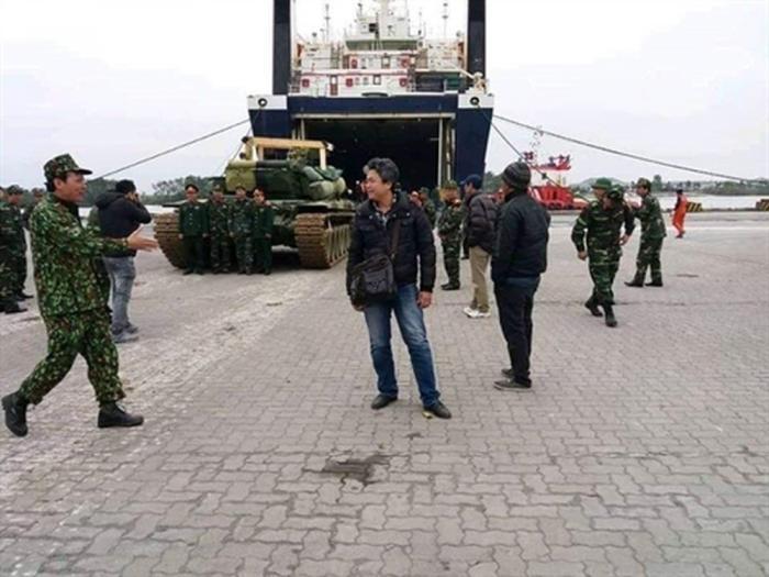 Во Вьетнаме появились первые российские танки Т-90С
