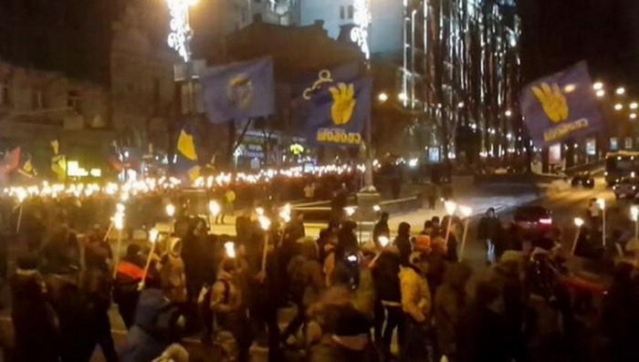 Зачем правящие на Украине потомки «жертв холокоста» создают новый рейх?
