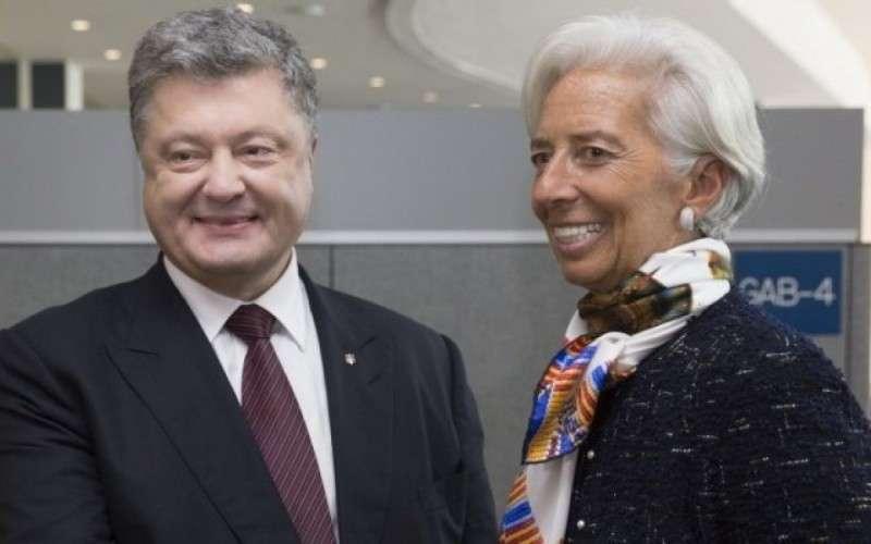 Кто будет расплачиваться за долги Порошенко перед МВФ?