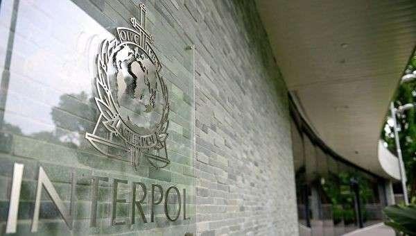 Логотип международной организация уголовной полиции – Интерпол