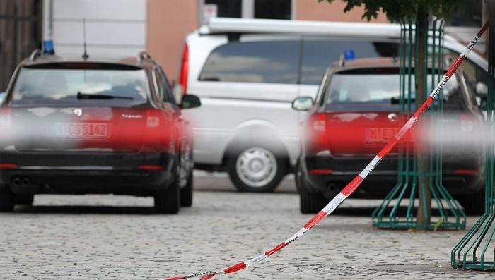 Германия. К оффису антимигрантской партии подбросили бомбу