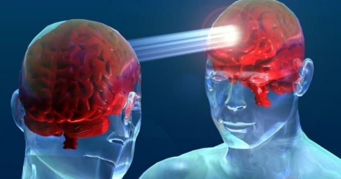 Эксперимент по телепатическому управлению телом другого человека в состоянии гипноза