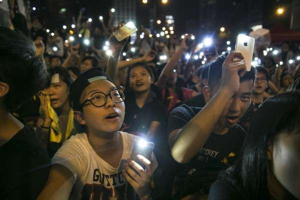 Заметили, как синхронно и резко всё про него пропало - о Гонконге?