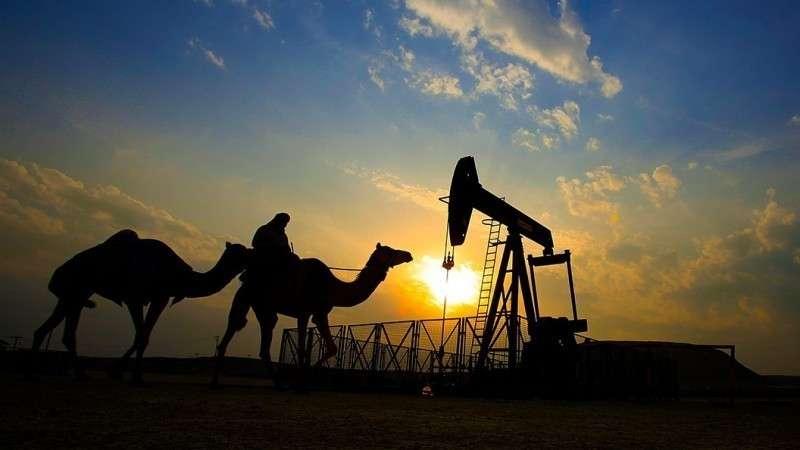 Саудовская Аравия на 60% снизила поставки нефти в США