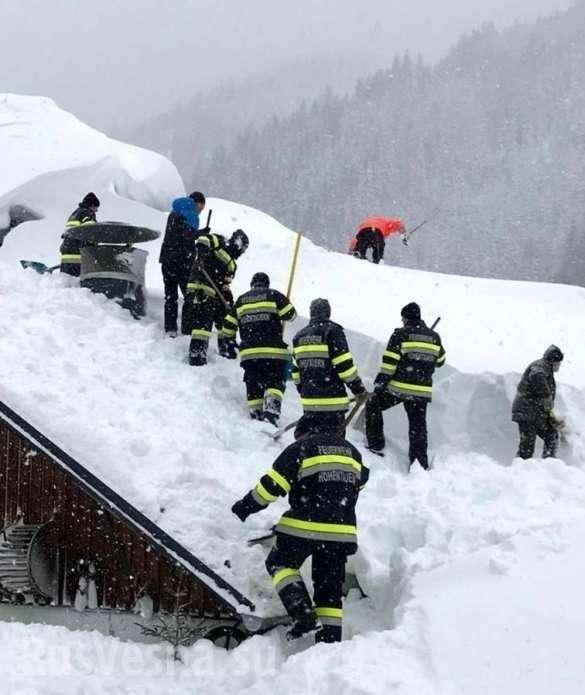 Сильные снегопады в Германии и Австрии убивают людей | Русская весна