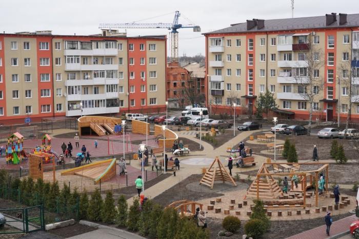 Калининградская область.Гурьевске благоустроили дворовые территории