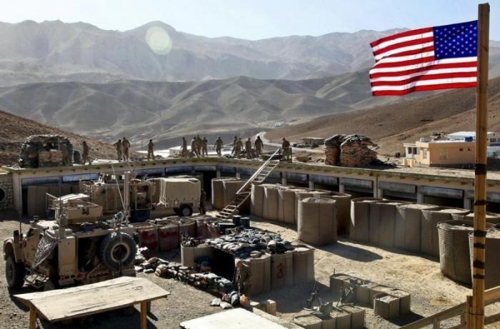США в Ираке на границе с Сирией создают ещё 4 военных базы