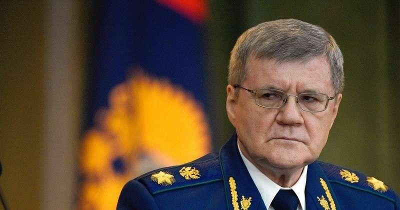 Юрий Чайка просит в разы увеличить зарплаты прокуроров