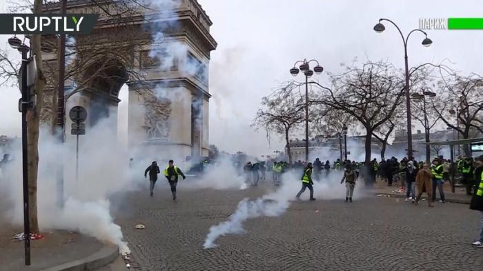 Беспорядки во Франции: водомёты, слезоточивый газ и 240 задержанных