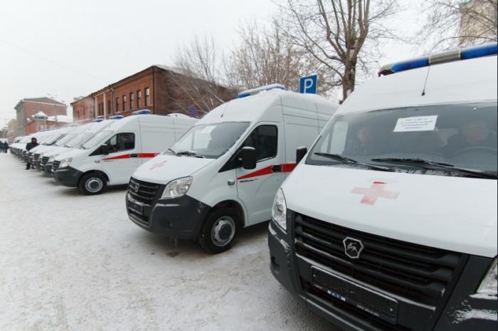 Новосибирские медики получили 24 новых автомобиля скорой помощи