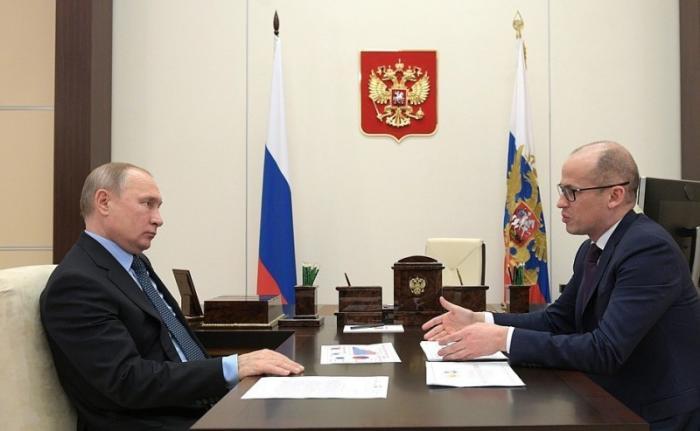 Владимир Путин сглавой Удмуртии Александром Бречаловым обсудил проблемы региона