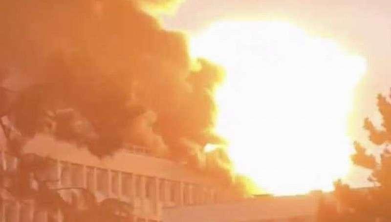 Франция. Серия взрывов в университете Лиона вызвала пожар