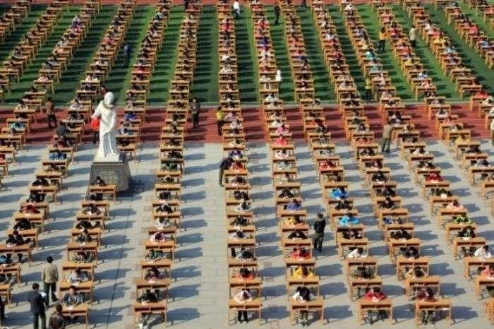 Тюрьма и безпилотники: как в Китае борются со списыванием на экзаменах