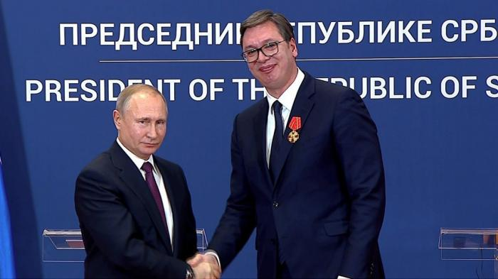 Владимир Путин вручил Президенту Сербии Александру Вучичу орден Александра Невского