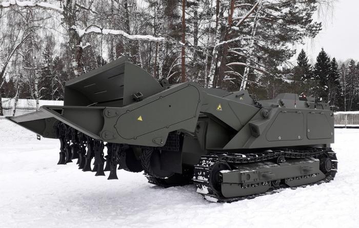 Робот разминирования «Уран-6» поставлен вМеждународный противоминный центрВС РФ