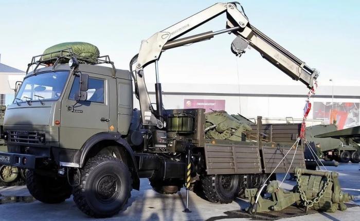 Военные инженеры вКузбассе получили погособоронзаказу краны-манипуляторы КМВ-10К