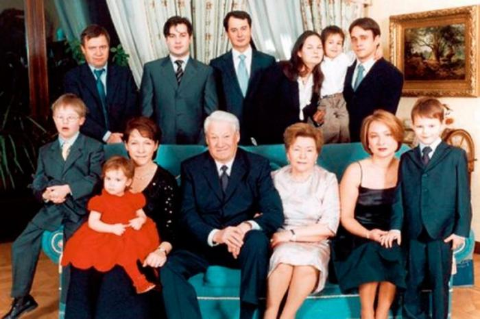 США ударили по своим марионеткам – из клана Ельцина