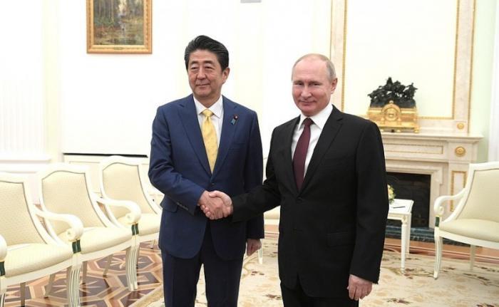 В Кремле состоялись переговоры Владимира Путина с Синдзо Абэ