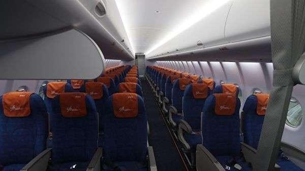 Посадочные места в салоне самолета