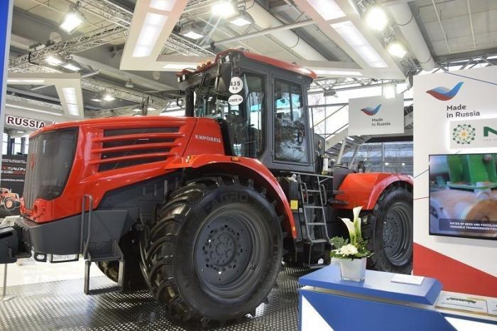 Россия начала поставки тракторов «Кировец» вКанаду