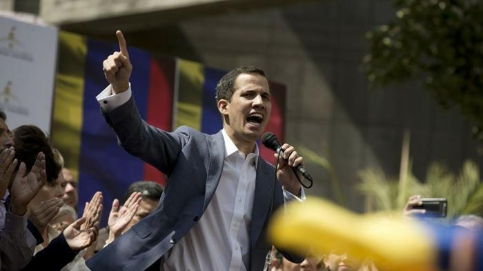 Главный бунтарь Венесуэлы Хуан Гуаидо объявил себя президентом и США тут же его признали