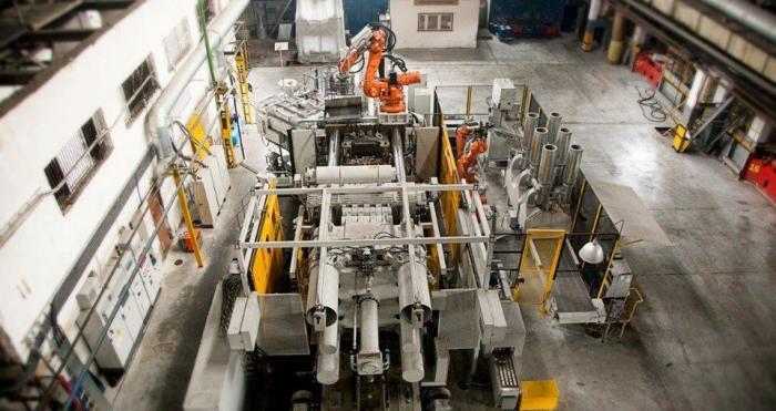 Завод «РосАЛит» изНижегородской области внедрил новую технологию плавки иразливки алюминия