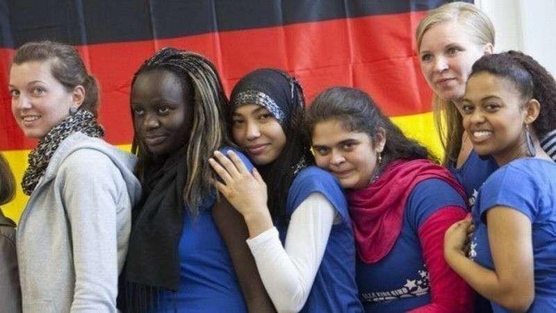 Немцы вымирают, а население Германии растёт