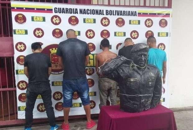 Переворот в Венесуэле по материалам местной прессы