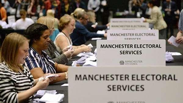 Подсчет голосов референдума по сохранению членства Великобритании в Европейском Союзе в Манчестере