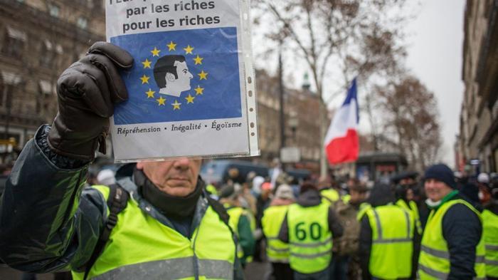 Франция: запретить референдумы, народ не должен решать