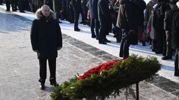 Блокады Ленинграда – Владимир Путин возложил цветы в память о жертвах