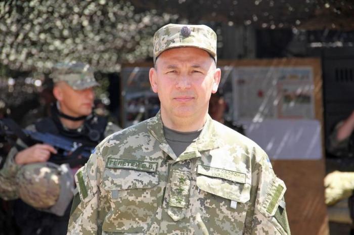 Порошенко уволил скандально известного министра обороны Украины Гелетея