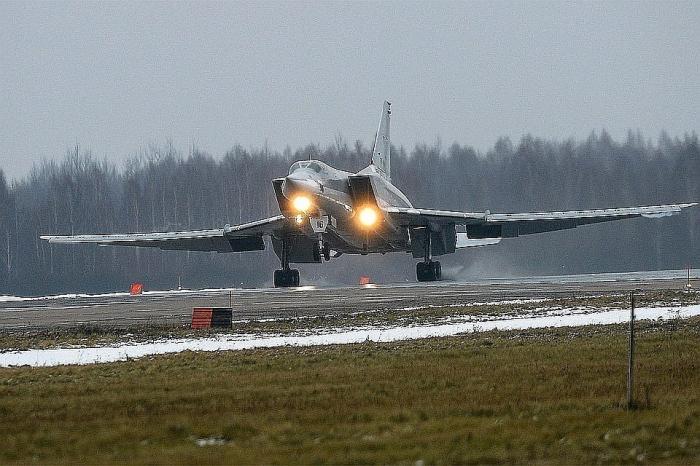 Почему Ту-22М3 под Мурманском разорвало пополам как картонку