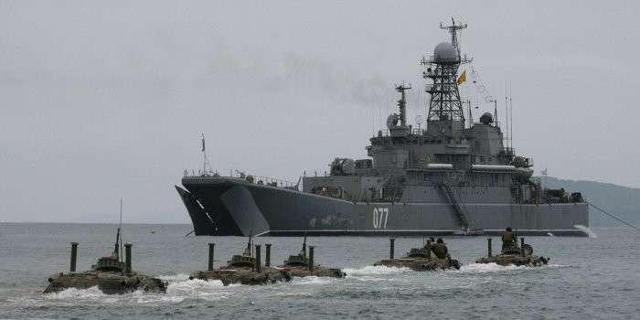 Россия и НАТО вывели боевые корабли на учения в Чёрное море