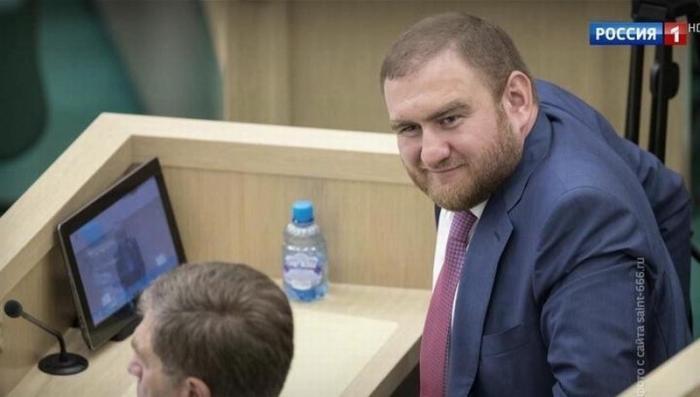 Сенатор Рауф Арашуков задержан в здании Совета Федерации прямо на пленарном заседании