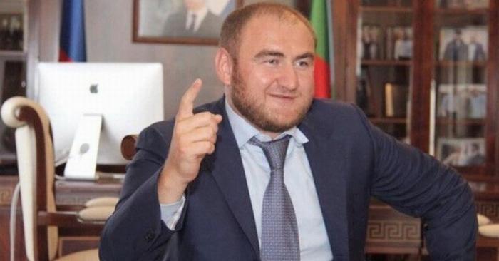 Задержанный сенатор Рауф Арашуков оказывается даже не владеет русским языком