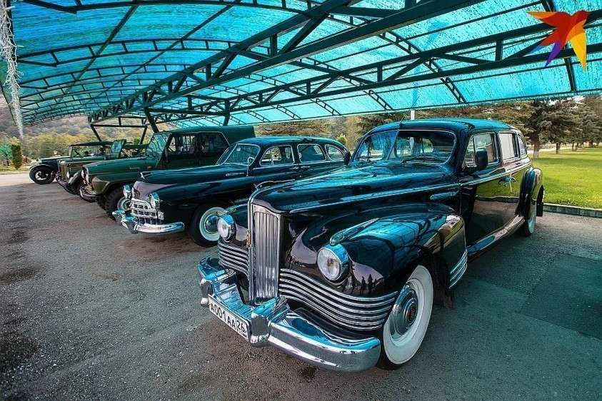 Коллекционные авто советского времени. Их стоимость — от 500 тысяч до 46 миллионов рублей Фото: Дмитрий АХМАДУЛЛИН