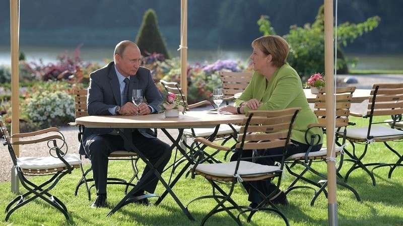 Как англосаксы пытаются поссорить Москву и Берлин