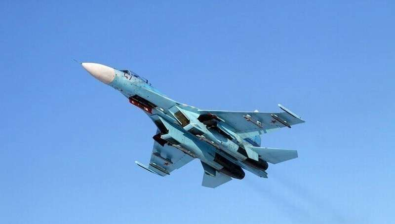 Российский Су-27 жёстко отогнал истребитель НАТО от правительственного самолёта РФ