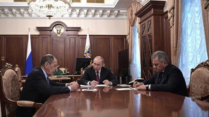 Владимир Путин провёл рабочую встречу сСергеем Лавровым иСергеем Шойгу