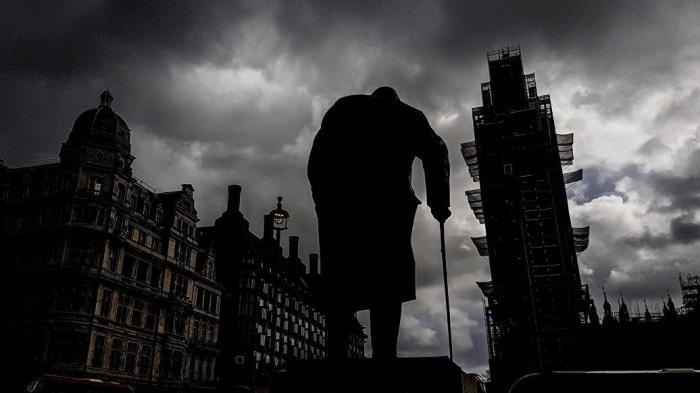 СМИ Британии вместо России попали в себе в глаза