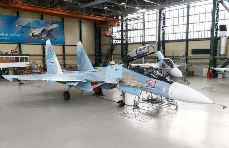 ВИркутске впервые представили модернизированный истребитель Су-30СМ