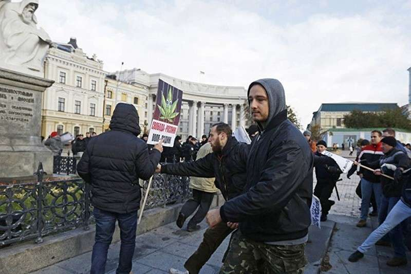 Украину превращают в главный центр наркоторговли в Европе