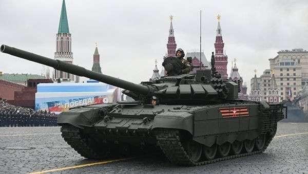 Танк Т-72Б3 на военном параде, посвященном 72-й годовщине Победы в Великой Отечественной войне 1941-1945 годов