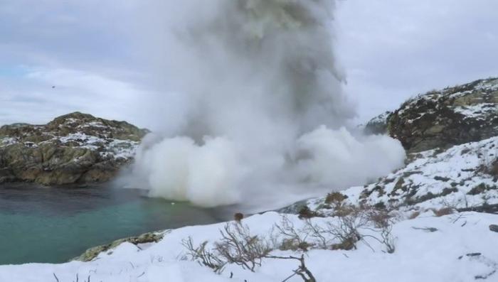 Токсичные торпеды взорваны рядом с территориальными водами России
