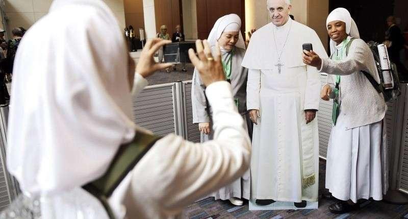 Папа Римский: католические священники насилуют монахинь и держат их как секс-рабынь