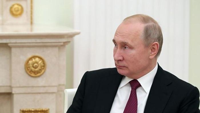 Владимир Путин подписал закон о проверке вкладов чиновников в зарубежных банках