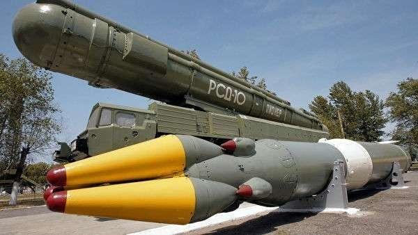 Ракетный комплекс средней дальности РСД-10 в музее на полигоне Капустин Яр