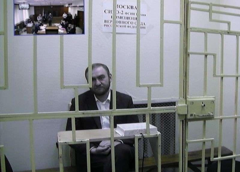 Лучшее фото Рауфа Арашукова. Вор должен сидеть в тюрьме